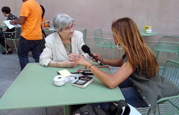 Miren Etxezarreta entrevistada por Marta Molina en el MACBA.