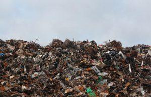 Muntanya de residus tecnològics | Autor: Emmet
