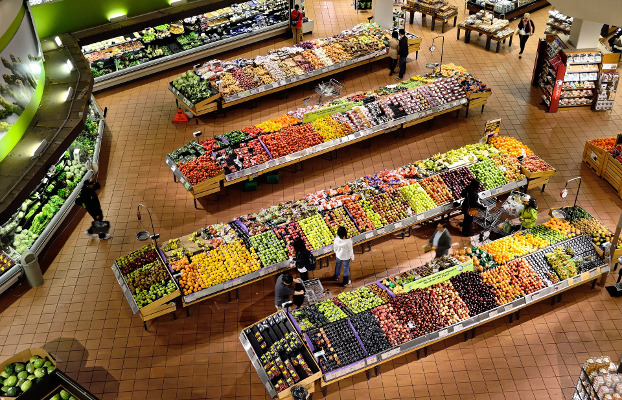 Imagen aérea de un supermercado. Artículo sobre supermercados cooperativos