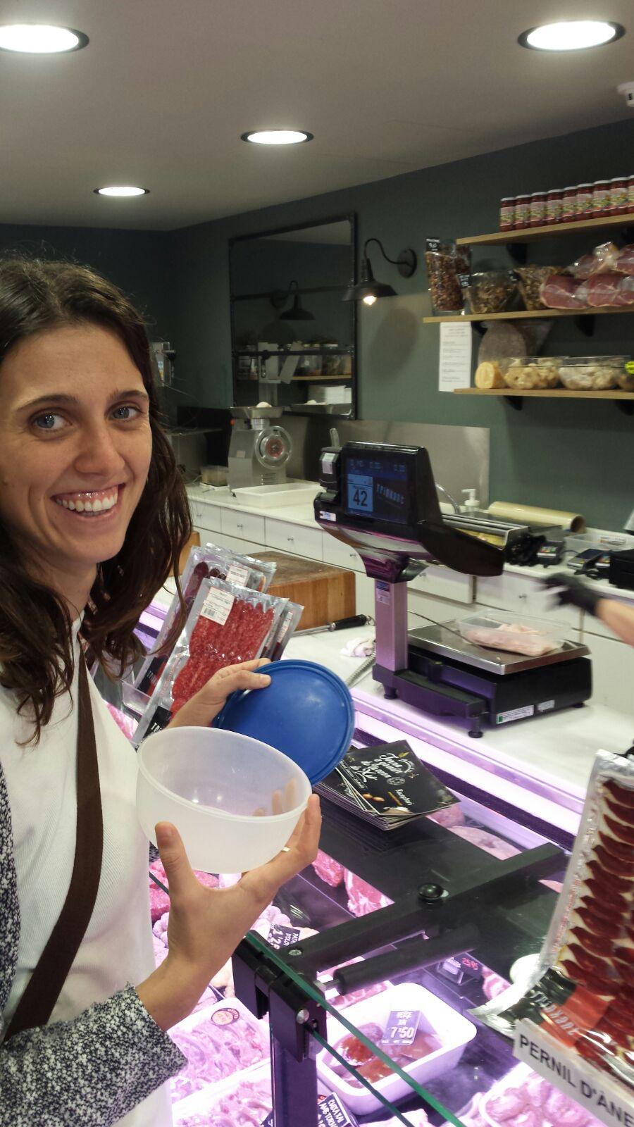 La Sara porta el seu envàs per estalviar residus. Foto: cortesia de Sara Fuertes.