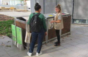 Exemple de compostatge comunitari a la plaça Folch i Torres de Barcelona