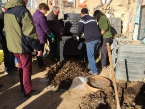 El compostatge comunitari implica poques tasques.