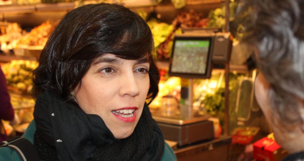 Esther Vivas parla amb Opcions sobre agricultura ecològica. Foto: Joana Ariet