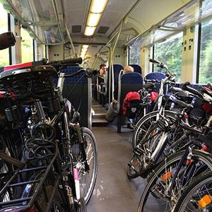 Normativa per circular en tren amb bici