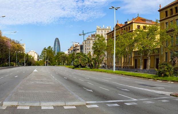 L'avinguda Diagonal de Barcelona buida. Foto: Marc Lozano